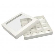 Коробка для 16 конфет 200x200x30 с окном белая